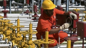 Tapan Sen writes to Petroleum Minister regarding theft of gas from ONGC block